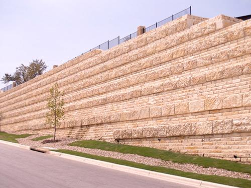 Natural stone blocks retaining walls - Natural stone wall solutions ...